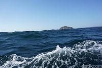 Gelombang yang sejajar dengan perahu kami (Afif Farhan/detikcom)