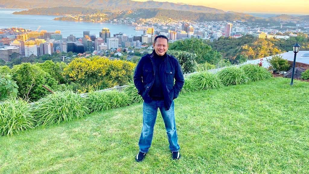 Gaya Milenial Ketua MPR Bamsoet, Suka Pakai Yeezy Oreo