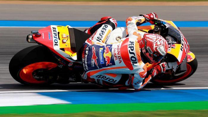 Marc Marquez memulai misi mempertahankan gelar juara dunia sedari MotoGP Jepang akhir pekan ini (REUTERS/Soe Zeya Tun)