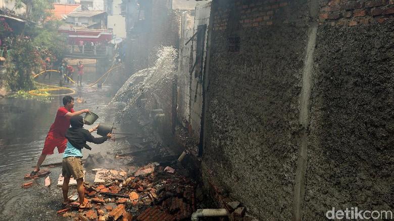 Cerita Warga soal Kronologi Kebakaran di Taman Sari Jakbar