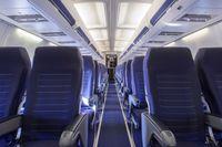 Karpet dan lorong pesawat mungkin terlihat bersih tapi siapa tahu banyak kuman