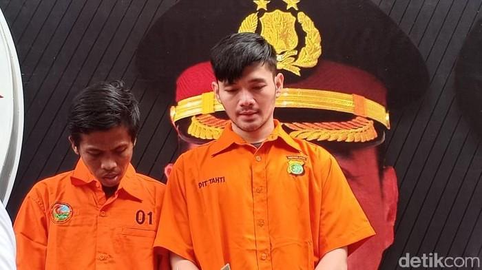 Polda Metro Jaya merilis kasus pedangdut Daffa tersangka sabu, Senin (7/10/2019). (Samsudhuha Wildansyah/detikcom)