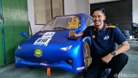 """Mobil listrik yang dinamai """"Warok v1.1"""" ini juga telah ikut berlomba dalam Kontes Mobil Hemat Energi (KMHE) di Universitas Negeri Malang pada 24 September 2019 lalu dan menyabet juara satu ketegori Best Video dalam presentasi terbaik untuk desain mobil."""