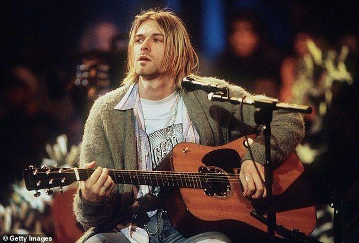 Rumah tempat Kurt Cobain meninggal karena bunuh diri, di Seattle, Negara Bagian Washington dijual di pasaran. Istimewa/Dok. www.Dailymail.co.uk.