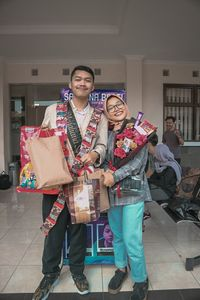 Viral Cerita Haru Pria Garut yang Wisuda Bawa Foto Almarhum Pacar