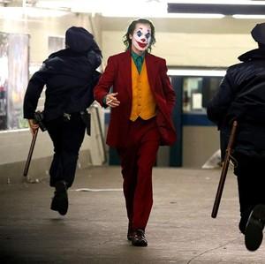 Ramai Film Joker, Ini yang Terjadi Saat Psikopat Jatuh Cinta