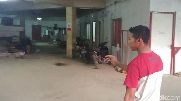 Vendra mengajak detikcom ke lokasi Faisal jatuh