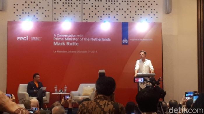 Foto: Perdana Menteri (PM) Belanda Mark Rutte dalam diskusi di Le Meridien Hotel Jakarta. (Dwi Andayani-detikcom)