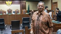 Senyum Sofyan Basir Usai Dituntut 5 Tahun Penjara