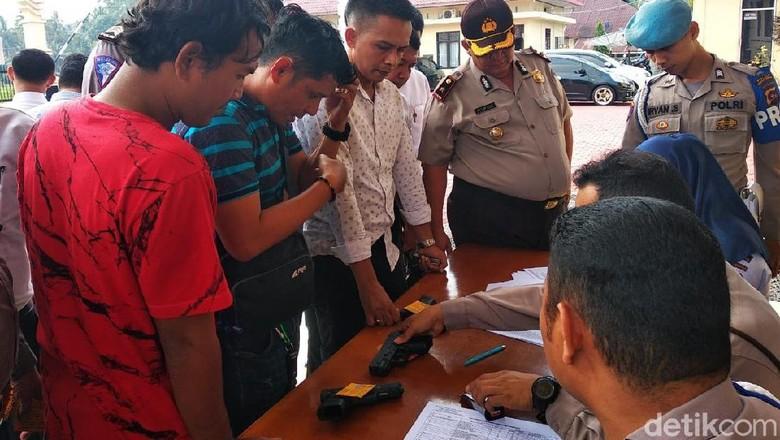 Antisipasi Penyalahgunaan, Polres Padang Pariaman Cek Senpi Dinas Anggota