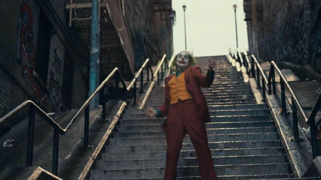 Smile! Ini Aneka Spot Ikonik di Film Joker