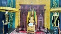 Mengintip Istana Kuning di Kalimantan
