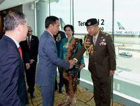 Jokowi saat tiba di Singapura /