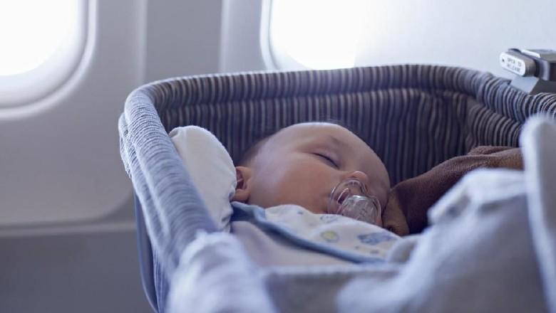 Ilustrasi bayi di pesawat