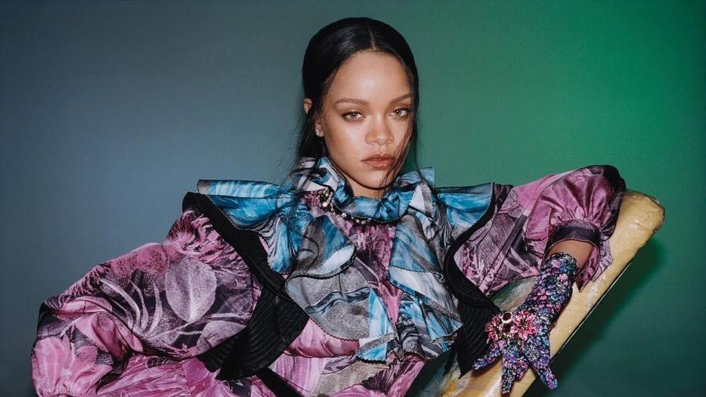 Rihanna Akan Rilis Autobiografi, Edisi Khusus Dijual Seharga Rp 1,6 M