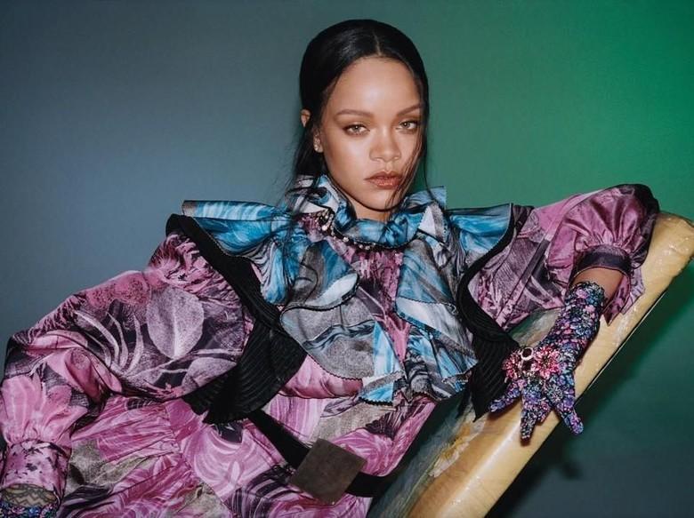 Rihanna ceritakan hubungannya dengan miliarder Arab. Foto: Dok. Instagram/badgalriri