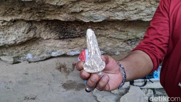 Usianya diperkirakan ada sejak 7000 sampai 3000 tahun lalu. Gua ini sendiri sempat beberapa kali diteliti dari tahun 1999-2001 dan sebelum ini pada tahun 2008 silam. (Charolin/detikcom)