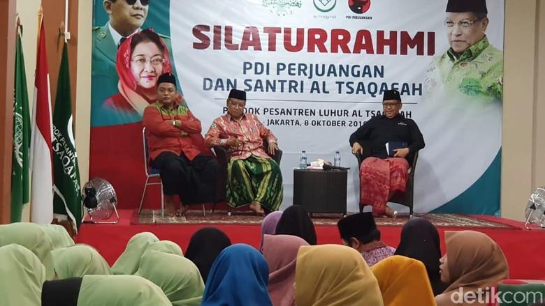 Sarungan ke Ponpes Said Aqil, Hasto: Terima Kasih Dukung Jokowi-Maruf