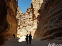 Melihat Lebih Dekat Petra, Kota yang Dipahat di Batu