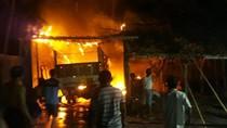 Sebuah Truk di Tulungagung Hangus Terbakar, Api Diduga dari Sekam