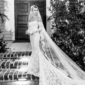 Gaun Pengantin Hailey Bieber Ternyata Kreasi Off-White, Kerudungnya Unik