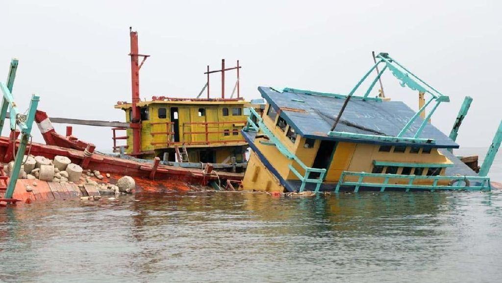 RI hingga Australia Keroyokan Buru Kapal Maling Ikan