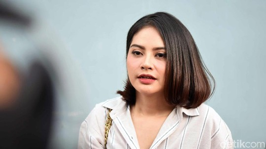Belum Mau Nikah, Tiwi eks T2 Ingin Cari Teman