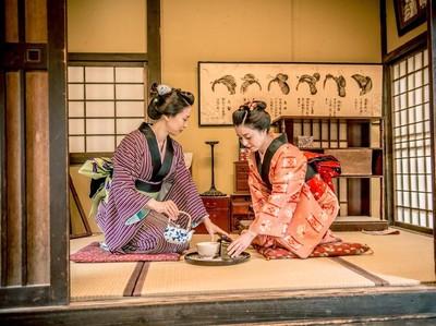 Sumimasen Lebih dari Sekadar Ucapan di Restoran Jepang