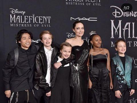 Foto Angelina Jolie bersama anak-anaknya