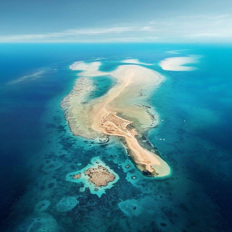 Lewat akun Instagram resmi Visit Saudi, Arab Saudi menampilkan keindahan-keindahan negaranya. Dari pulau-pulau eksotis di Laut Merah sampai bentang gurun pasir yang menawan (Instagram/Visit Saudi)