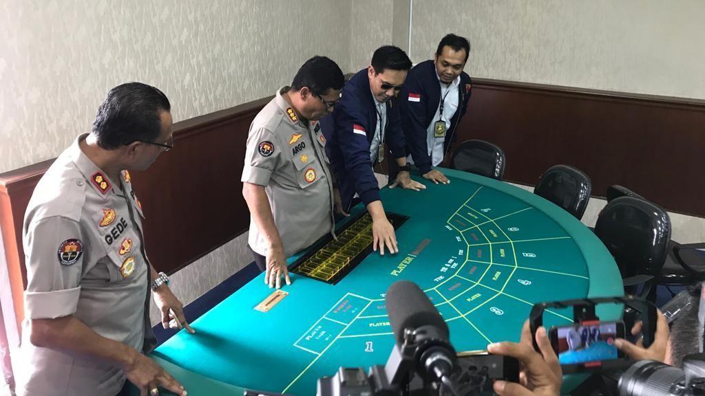 Polisi Sebut Perputaran Uang di Kasino Apartemen Robinson Capai Miliaran