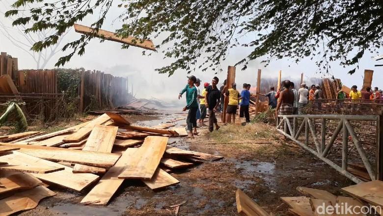 Ribuan Lembar Kayu Dijemur Ludes Terbakar, Kerugian Ditaksir Rp 1 Miliar