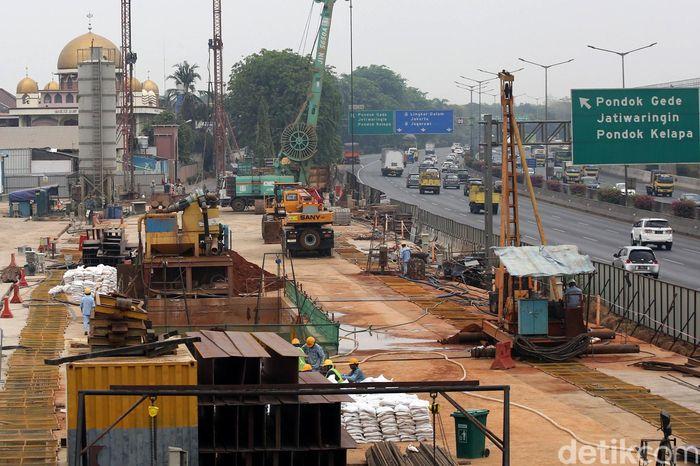 Begini penampakan terkini proyek pembangunan terowongan Kereta Cepat Jakarta-Bandung (KCJB) di kawasan Jatiwaringin, Bekasi, Rabu (9/10/2019).