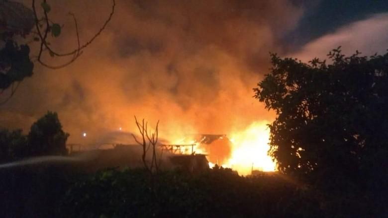 Tiga Warga Korban Kebakaran di Cawang Dilarikan ke RS