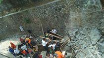 2 Pekerja Bangunan Tertimbun Longsoran Fondasi Proyek RSUD Sleman