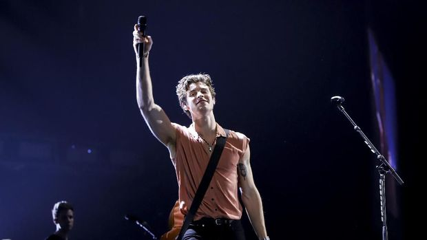 Pesona Pangeran Pop Shawn Mendes Kala Konser di Indonesia