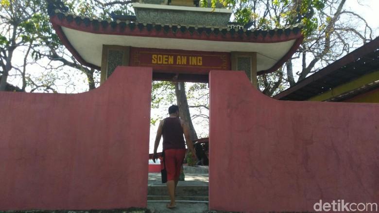 Cerita Makam Sunan Kuning di Pusaran Lokalisasi Semarang