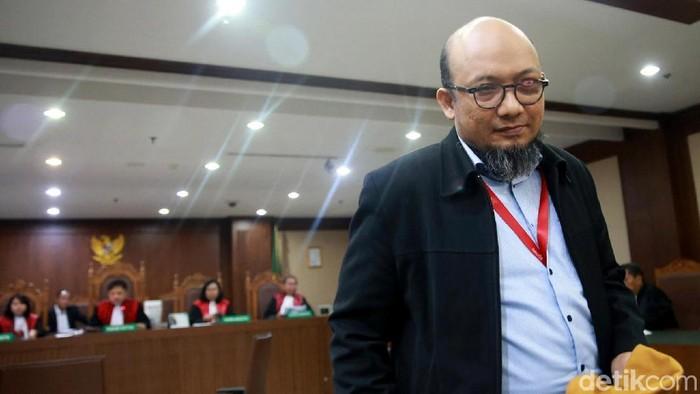 Novel Baswedan jadi saksi dalam sidang kasus suap proyek e-KTP yang jerat Markus Nari. Mantan anggota DPR Miryam S Haryani turut jadi saksi di sidang itu.