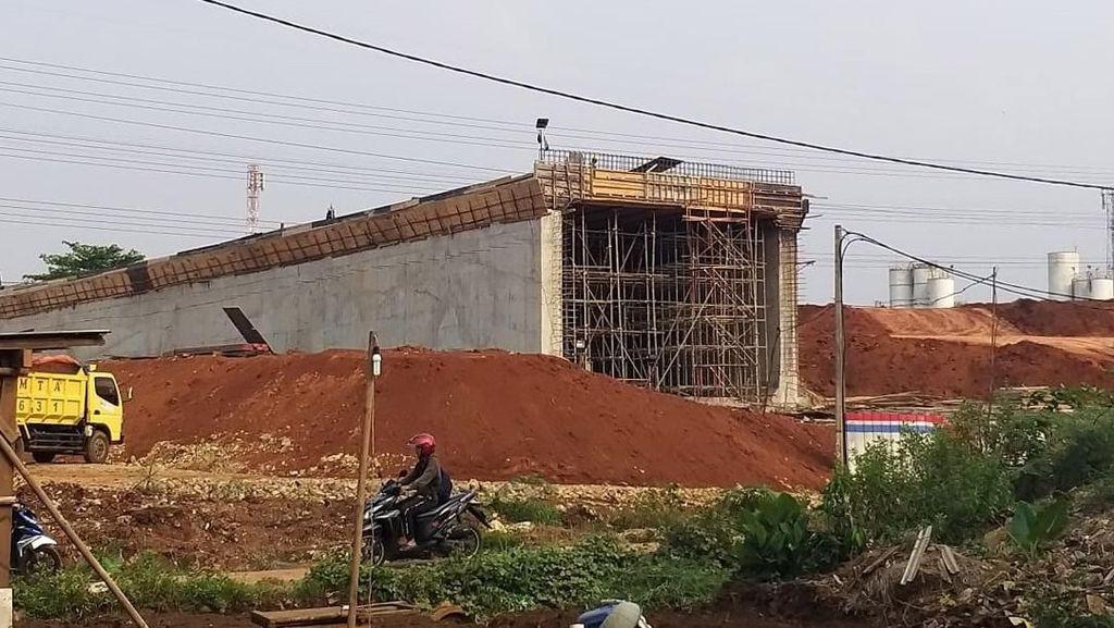 Penampakan Proyek Terowongan Tol Desari yang Ambruk