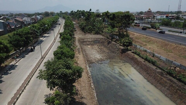 Pembuatan Kolam Retensi Dekat Stadion GBLA Bandung Sudah 80 Persen