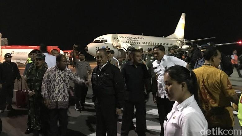 Tiba di Papua, Menhan Akan Beri Pesan Damai dan Kunjungi Pengungsi Wamena
