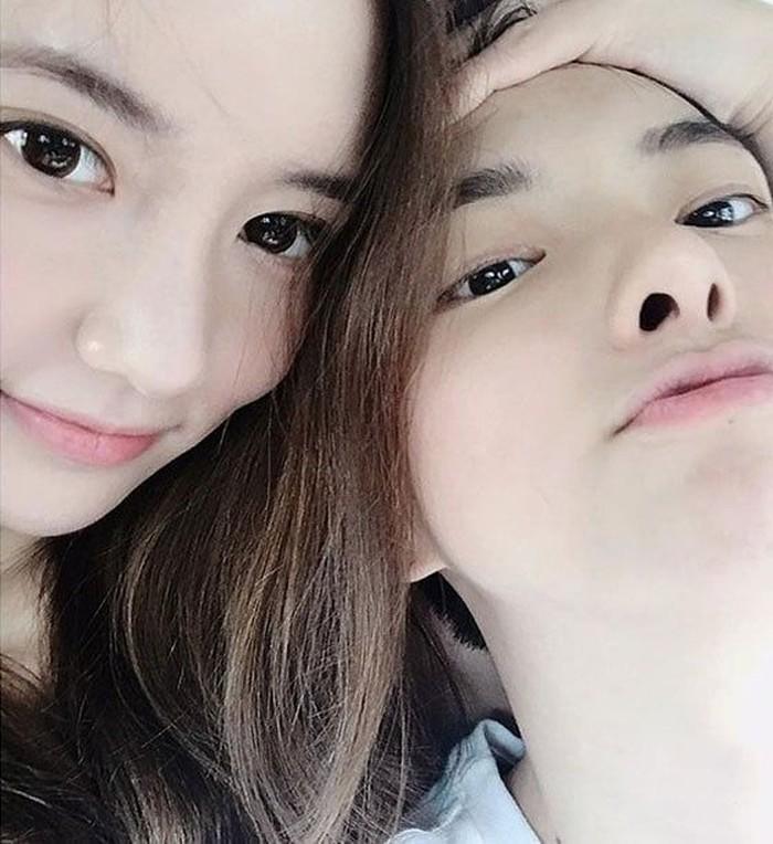 Hubungan Jung Da Eun dan Han Seo Hee masih simpang siur karena banyak berita yang beredar. Pertama Han Seo Hee mengaku pacaran, namun setelah itu bilang bahwa hubungannya dengan Jung Da Eun hanya setting-an saja. Foto: Istimewa
