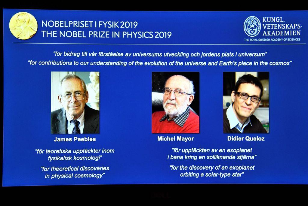 Nobel Fisika tahun ini dihadiahkan untuk pemahaman baru tentang struktur alam semesta dan sejarahnya, serta penemuan pertama planet yang mengorbit pada bintang semacam Matahari di luar tata surya, sebut komite Nobel. Foto: Reuters