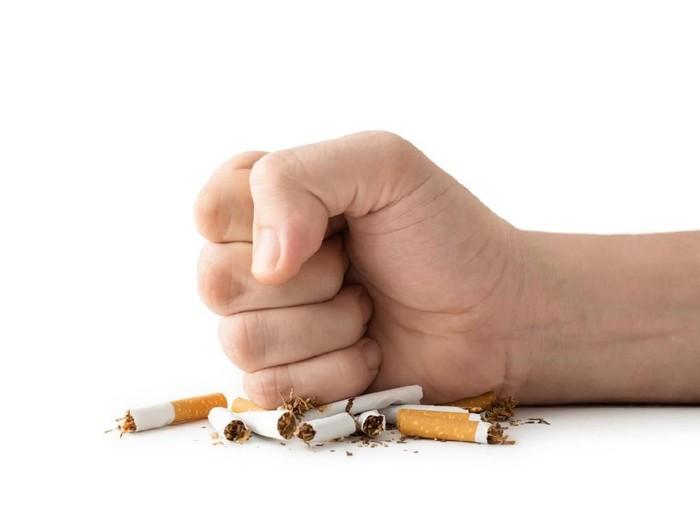 9 Cara Berhenti Merokok yang Dijamin Efektif Foto: (iStock)