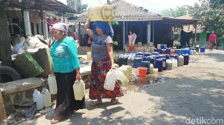 Krisis Air Bersih Pasuruan Makin Parah, Namun Mobil Tangki Tak Ditambah