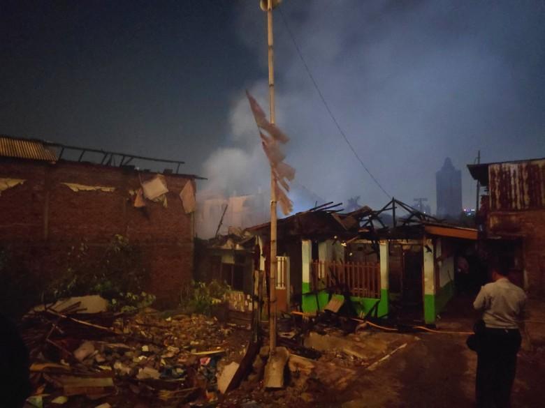 Kebakaran 20 Rumah di Cawang Jaktim Diduga Dipicu Gas Bocor
