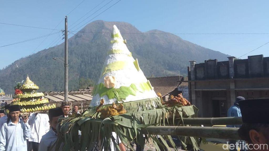 Mengintip Meriahnya Tradisi Saparan di Lereng Gunung Andong Magelang