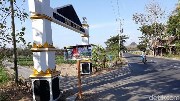 Lokasinya berada di Dusun Kalinampu, Desa Seloharjo, Kecamatan Pundong, Kabupaten Bantul. Jaraknya sekitar 19 kilometer dari jantung Kota Yogyakarta. (Pradito/detikcom)