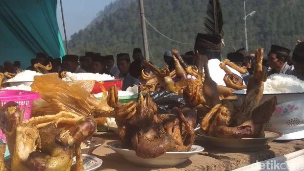 Tradisi Saparan di Lereng Gunung Andong, Kabupaten Magelang.