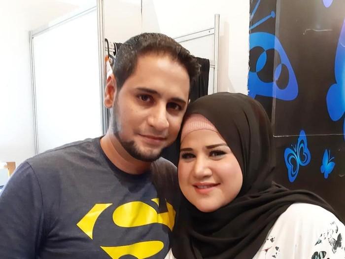 Dhawiya dan suaminya